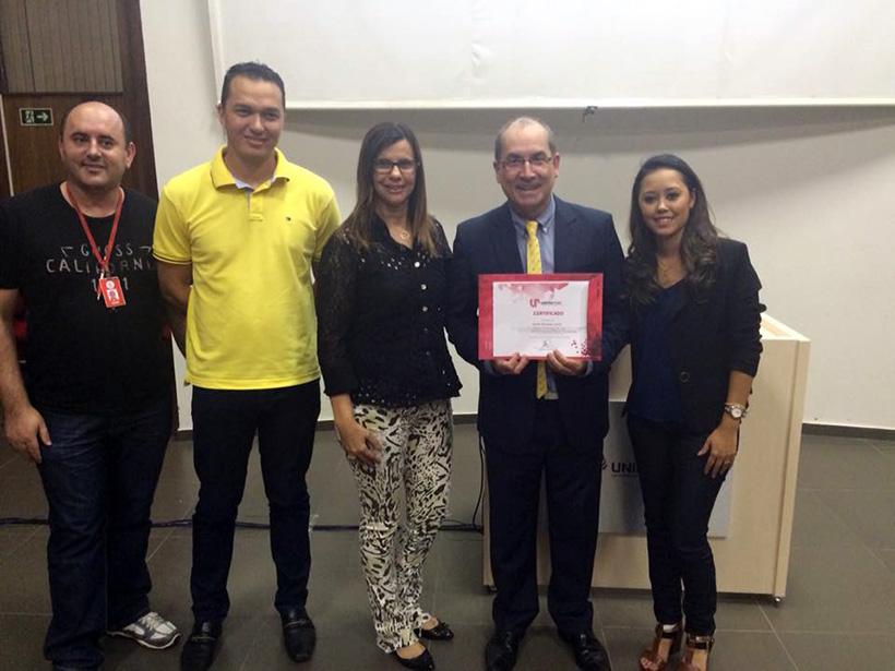 Os professores Aldair Alberton, Daniel de Souza, Isabel Cristina Gozer com o palestrante Nailor Marques Junior e a tutora Lilian Itikawa