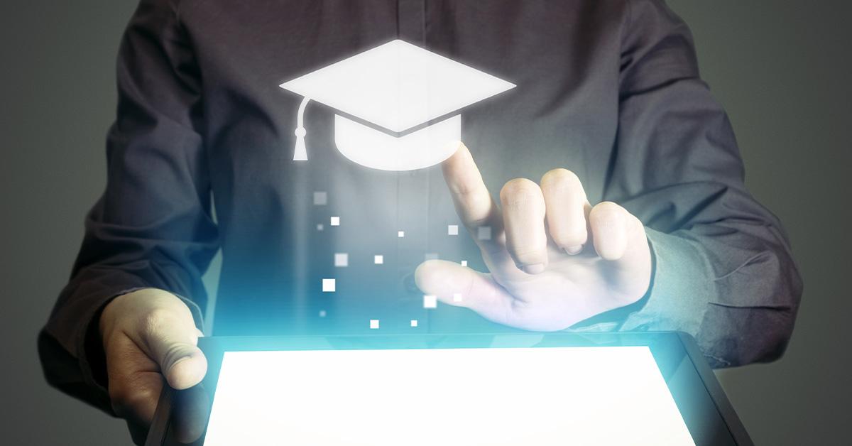Conheça os principais benefícios de iniciar uma graduação EAD para a sua carreira